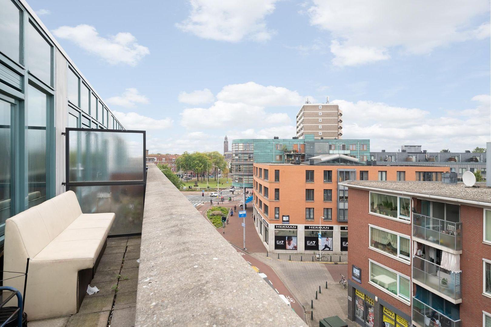Hobbemastraat 315, Den Haag foto-15 blur