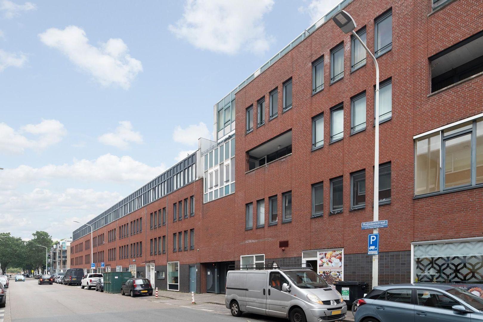 Hobbemastraat 315, Den Haag foto-1 blur