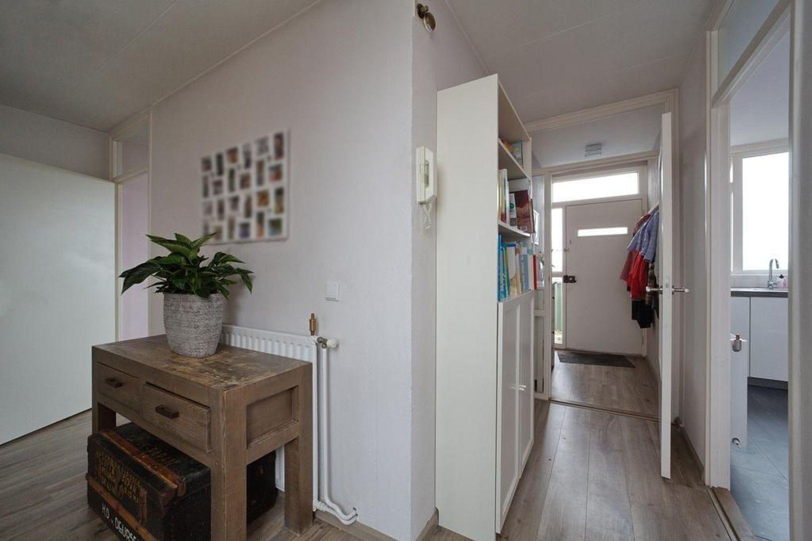 Heiloostraat 261, Den Haag foto-22 blur