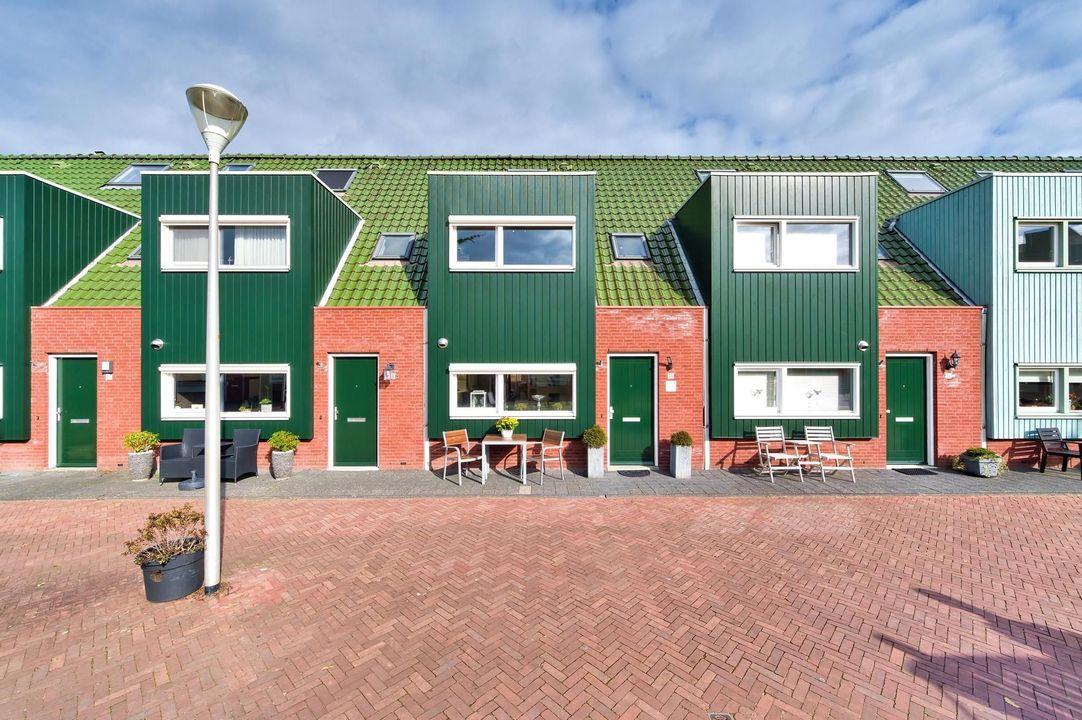 IJsvogelhof 16, Den Haag