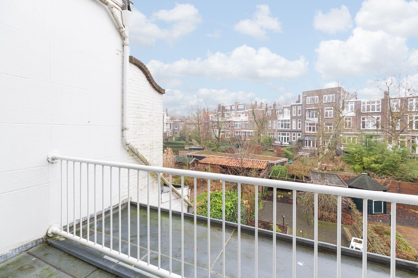 Oranjelaan 27, Rotterdam foto-15 blur
