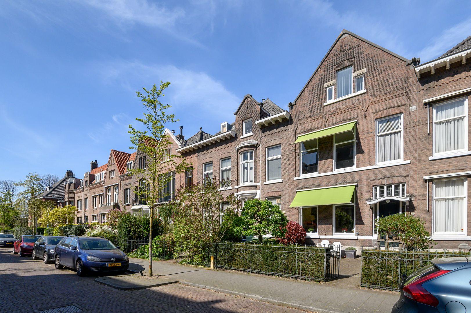 Oranjelaan 27, Rotterdam foto-1 blur