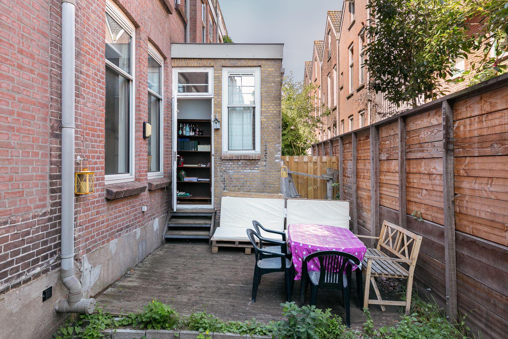 Adamshofstraat 154, Rotterdam foto-8 blur
