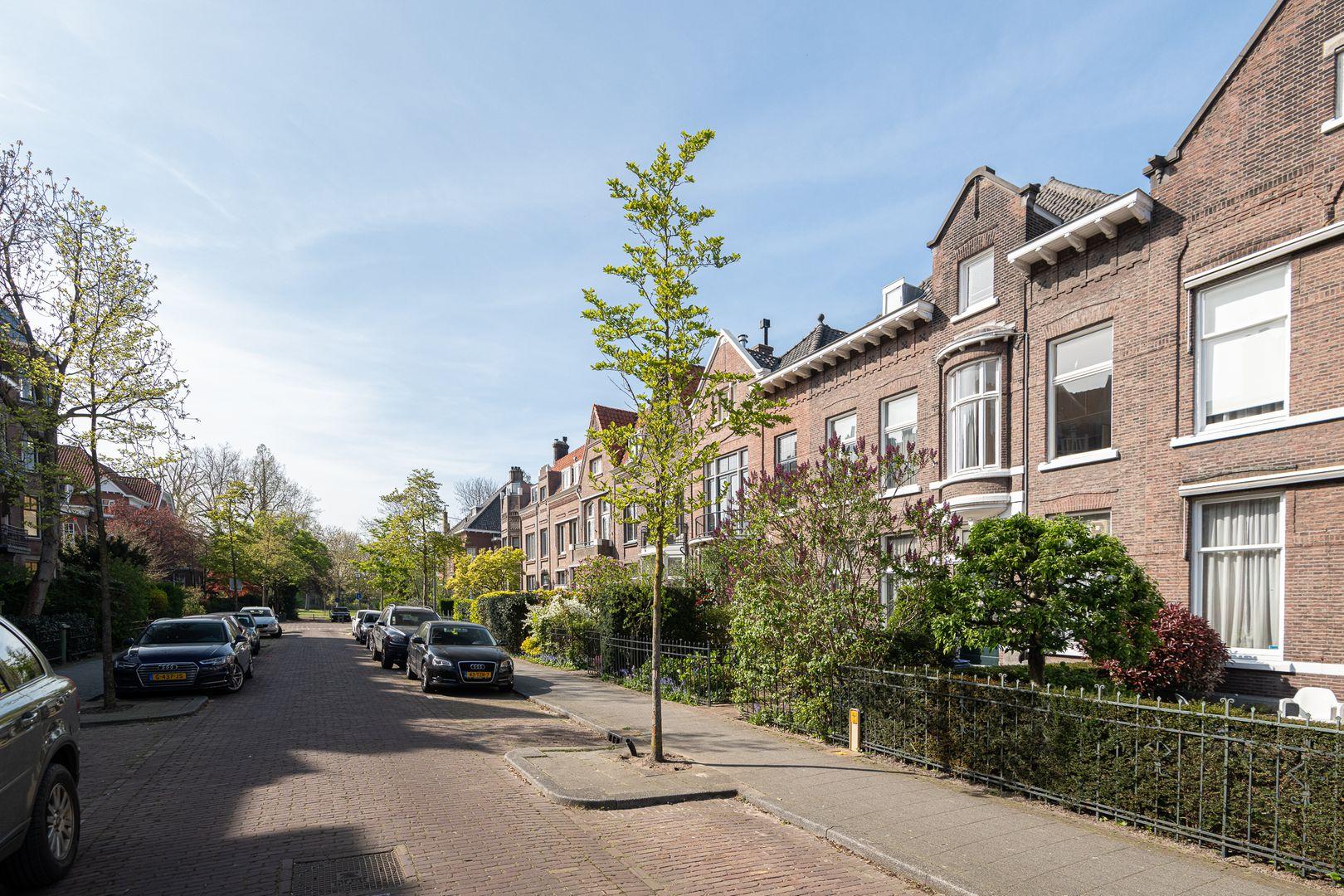 Oranjelaan 29, Rotterdam foto-1 blur