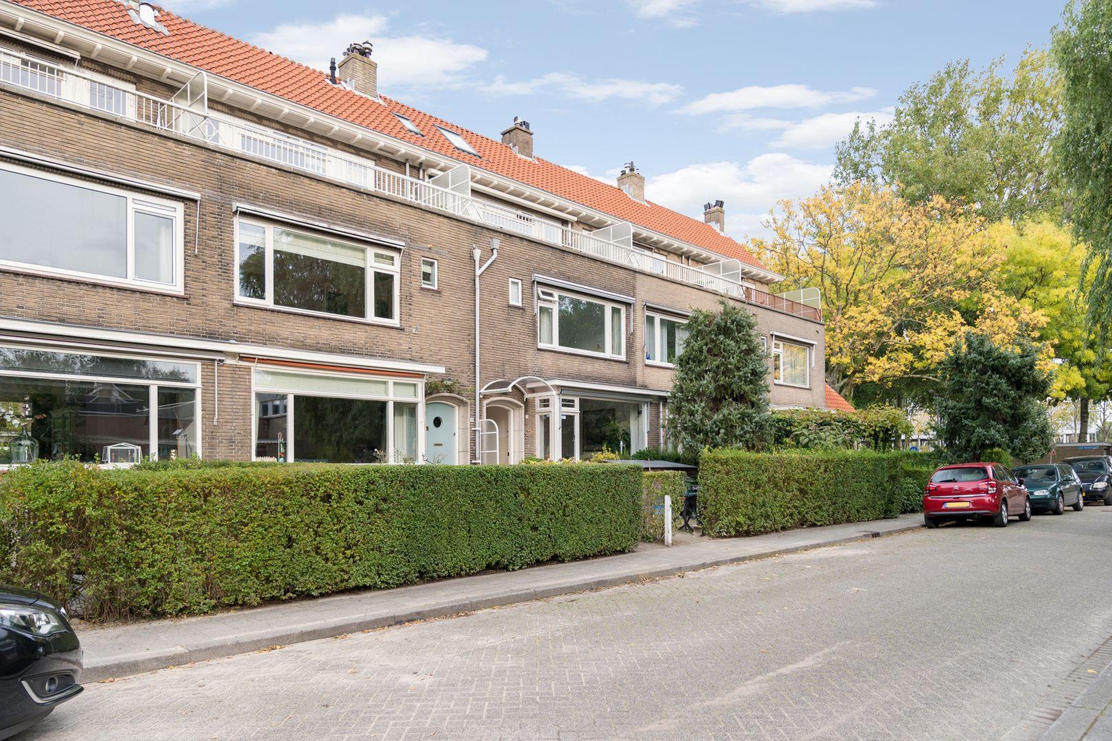 Meindert Hobbemalaan 9, Rotterdam foto-0 blur