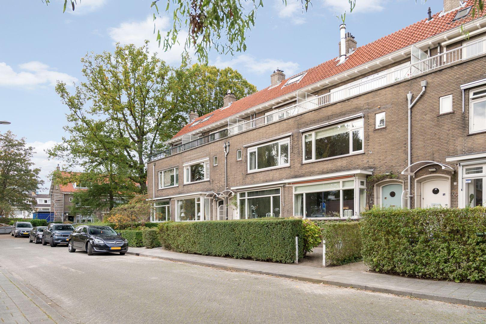 Meindert Hobbemalaan 9, Rotterdam foto-50 blur