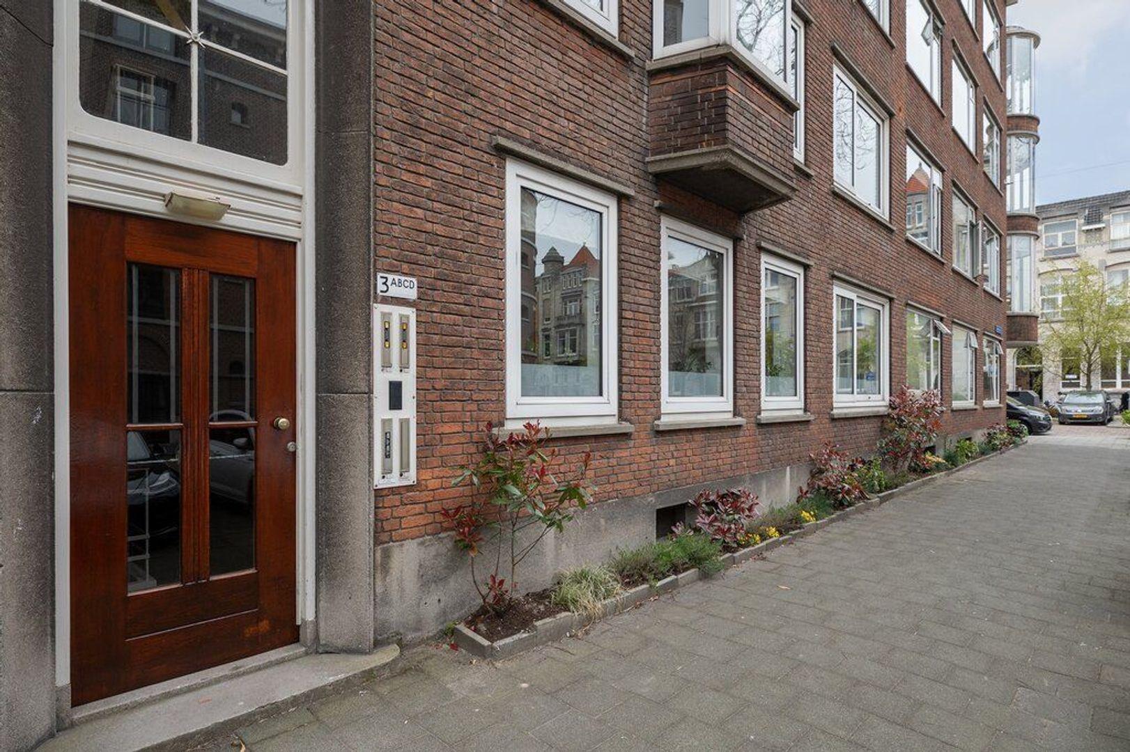 Zeemansstraat 3 a, Rotterdam foto-0 blur