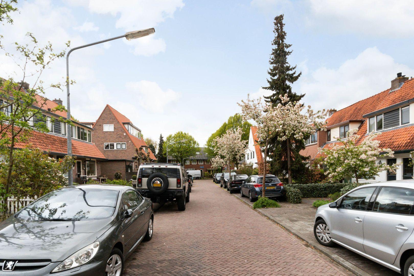 Casper Fagelstraat 12, Hilversum foto-16 blur
