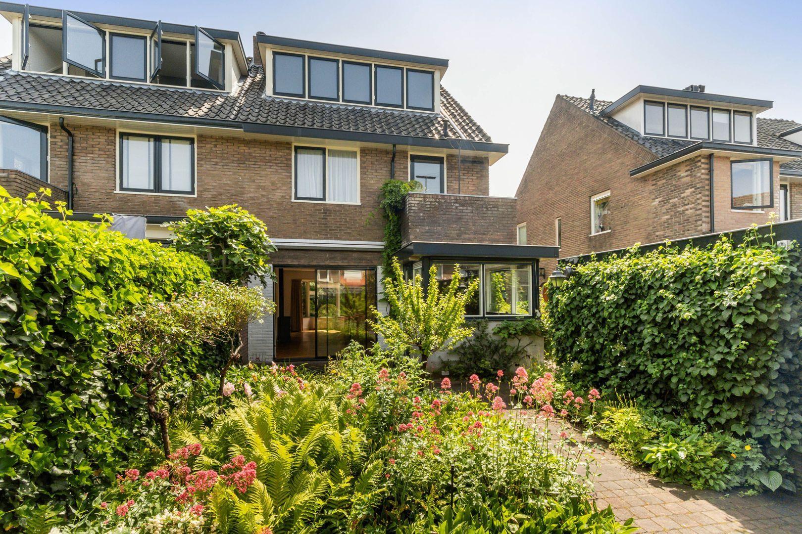 Van Beuningenstraat 22, Hilversum foto-20 blur