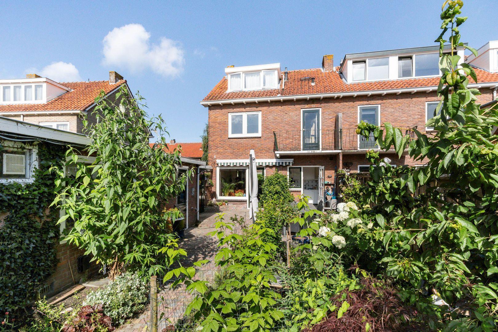 Jacob van Maerlantlaan 13, Hilversum foto-24 blur