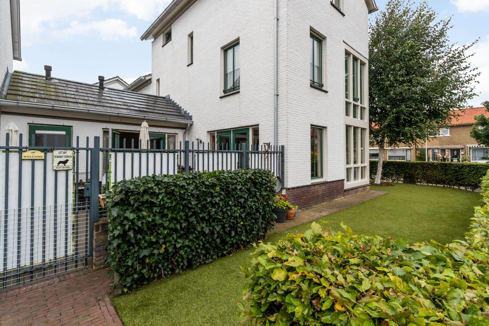 Cornelis van den Bergstraat 14, Bussum foto-18 blur