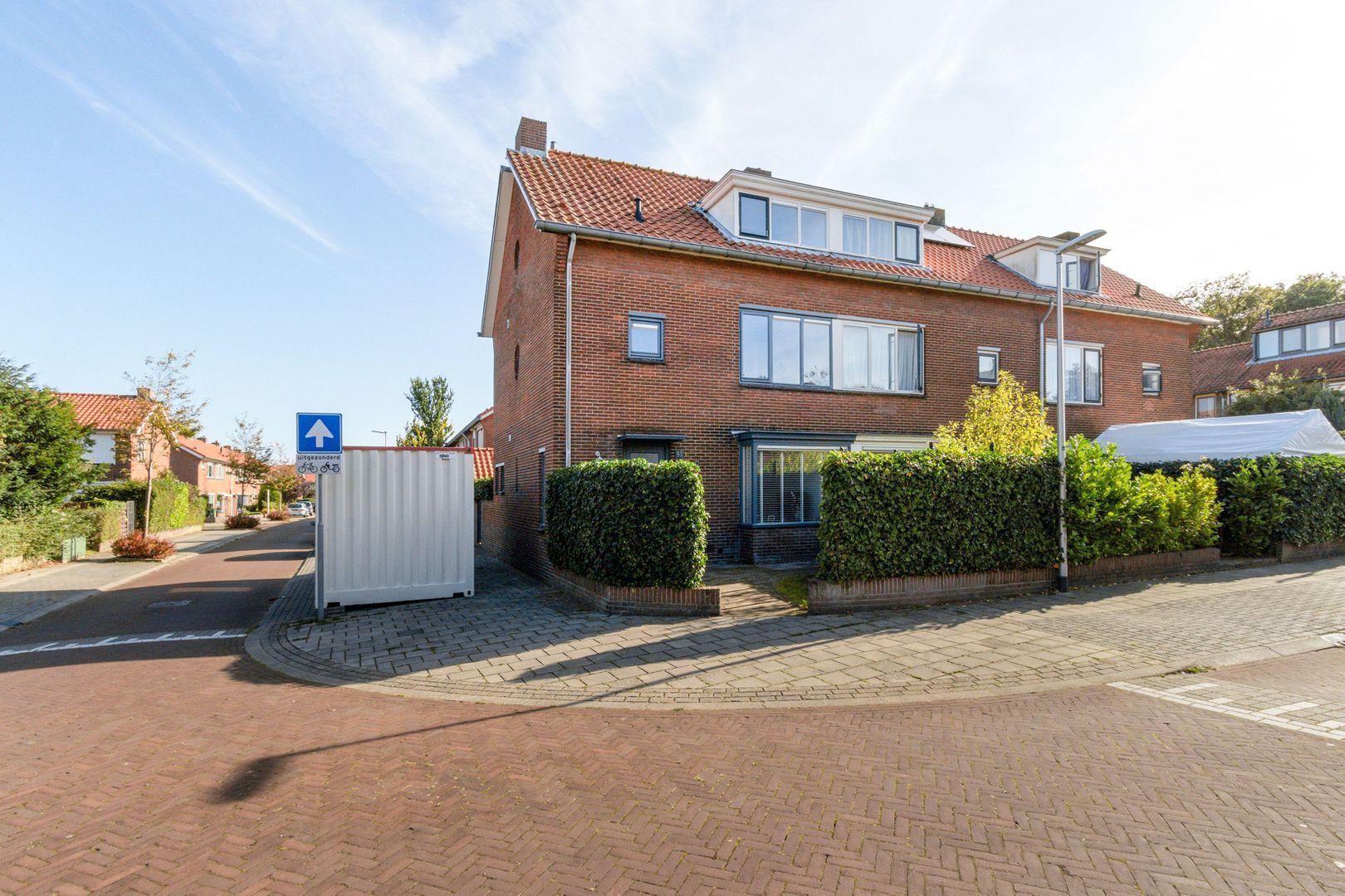 Van Linschotenstraat 31, Bussum foto-0 blur