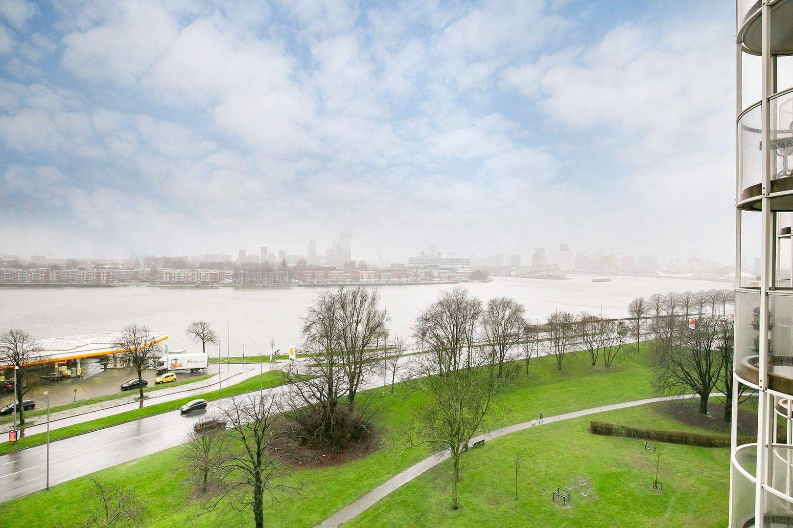 Oostmaaslaan 558, Rotterdam foto-18 blur