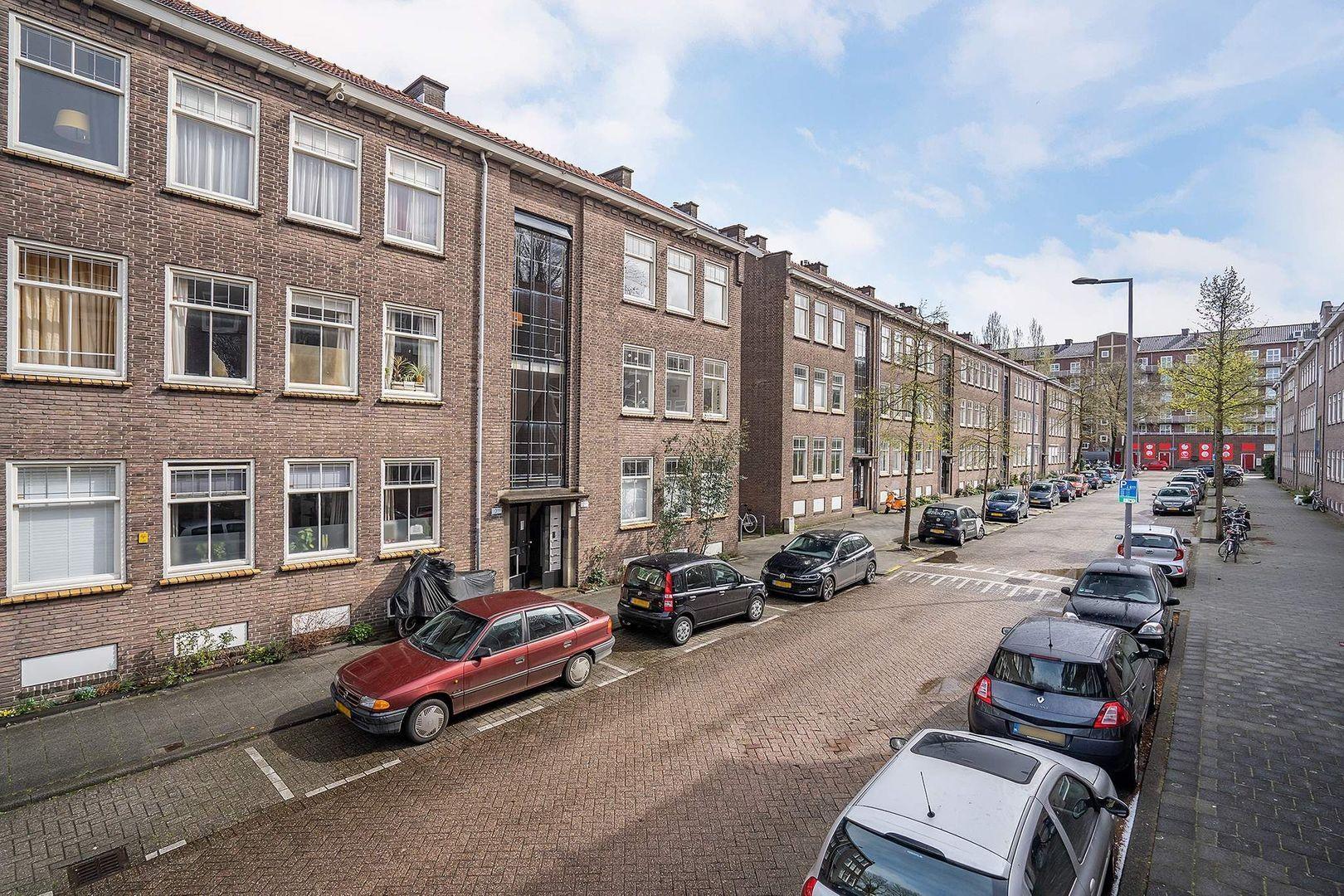 Carel van Nieveltstraat 12 A, Rotterdam foto-35 blur