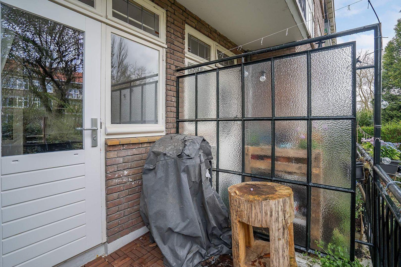 Carel van Nieveltstraat 12 A, Rotterdam foto-30 blur