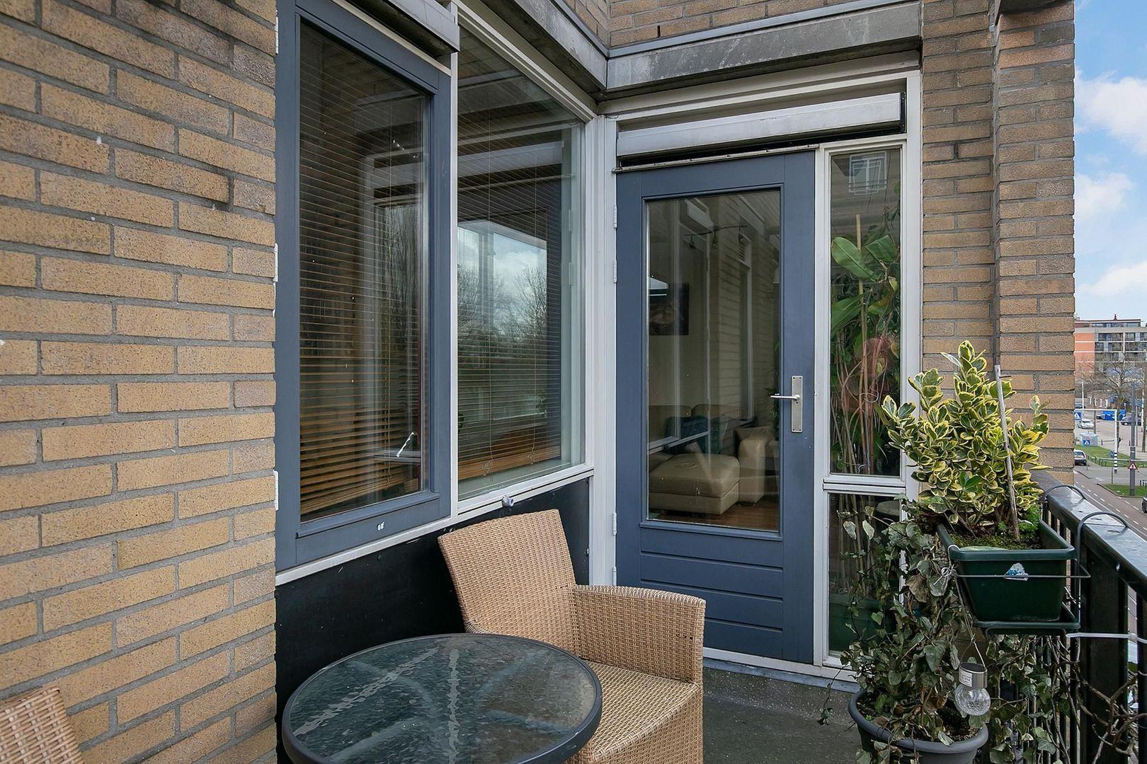Crooswijksestraat 90, Rotterdam foto-20 blur