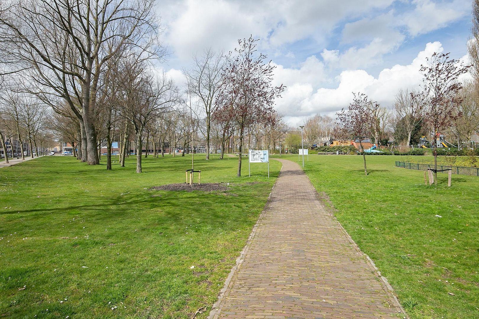 Crooswijksestraat 90, Rotterdam foto-25 blur