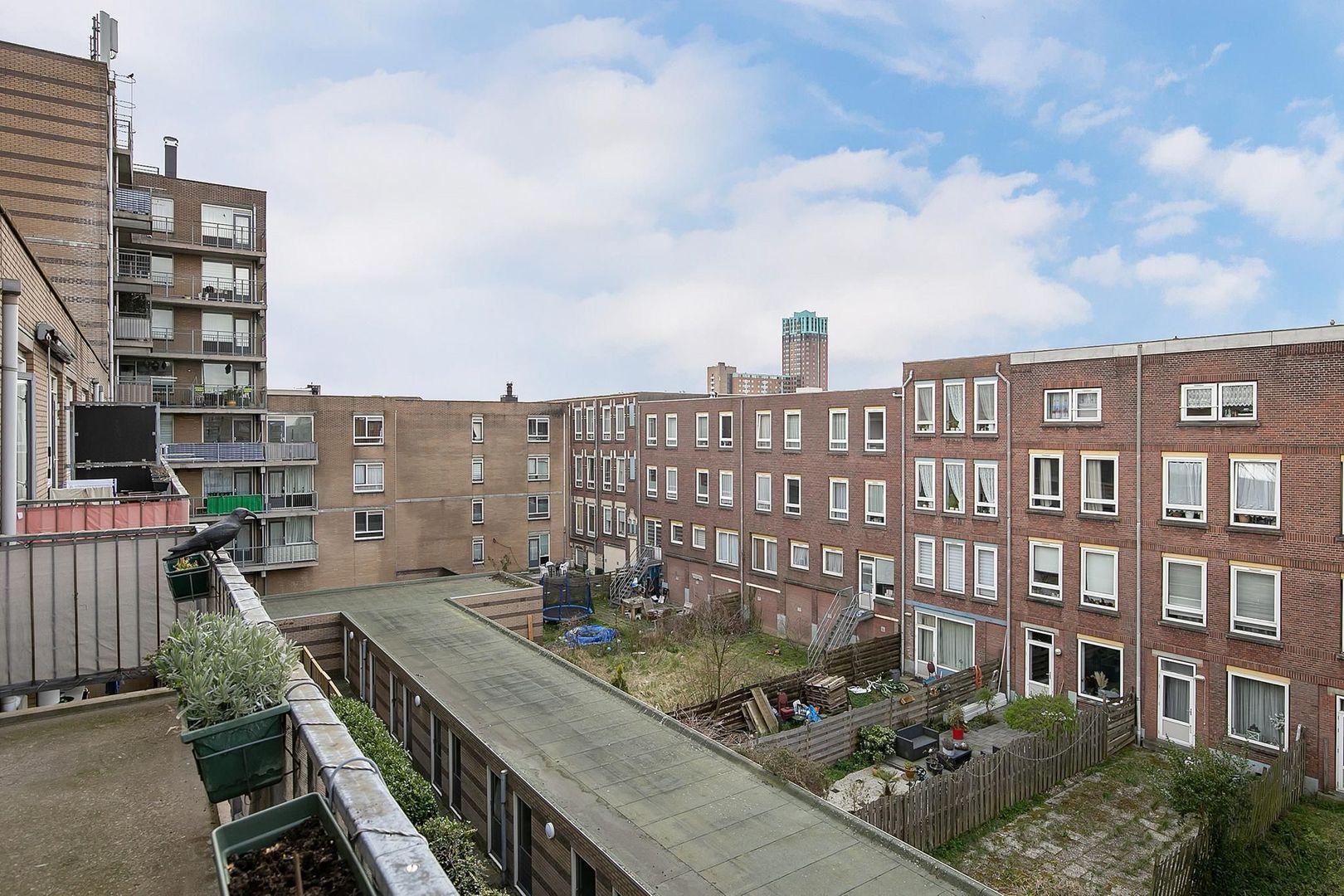 Crooswijksestraat 90, Rotterdam foto-18 blur