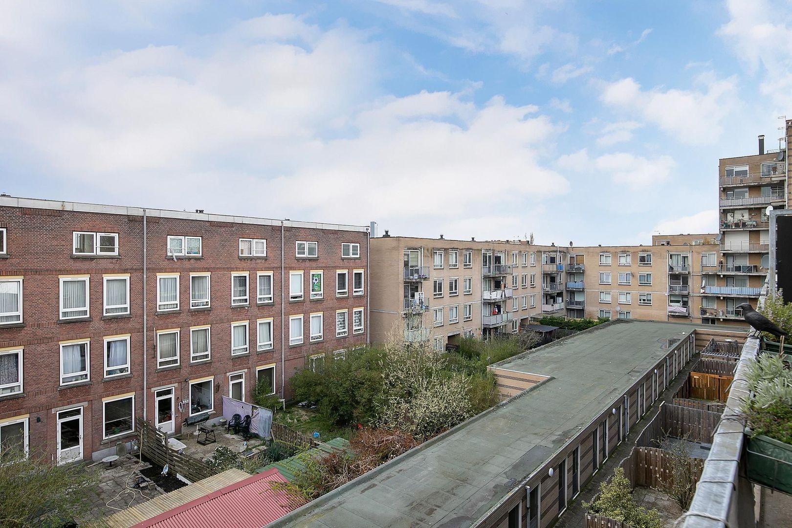 Crooswijksestraat 90, Rotterdam foto-19 blur