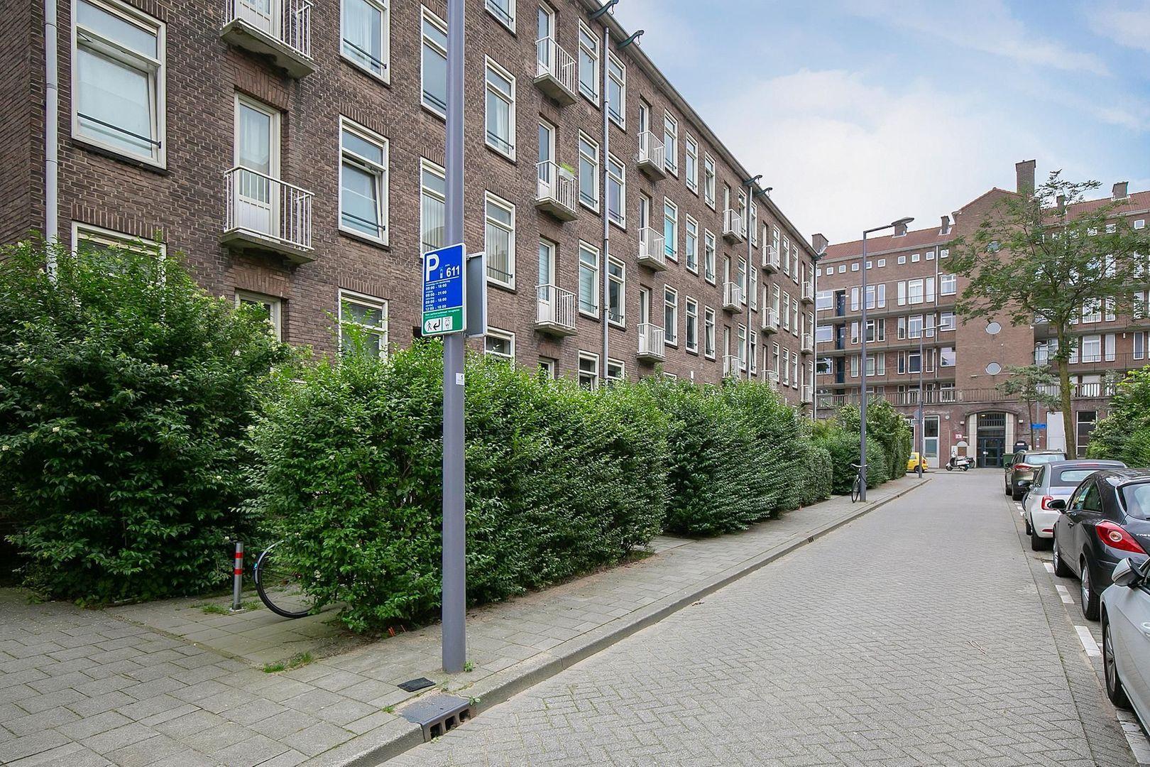 Bernardus Gewinstraat 30 A, Rotterdam foto-25 blur