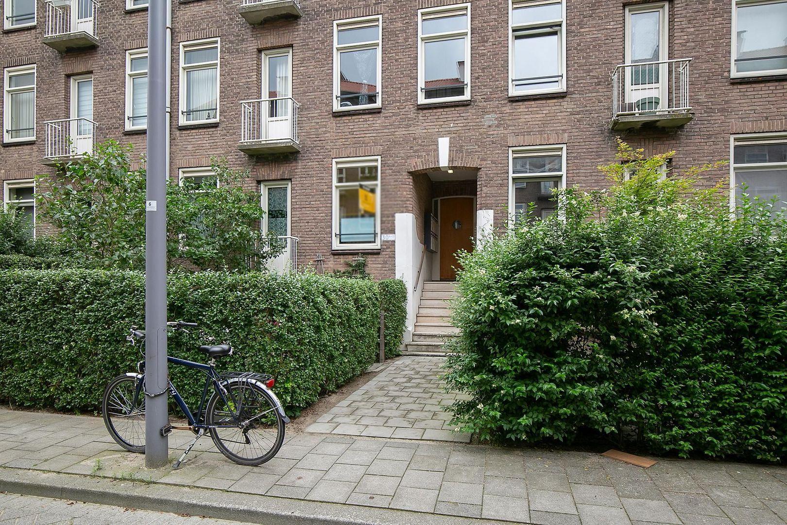 Bernardus Gewinstraat 30 A, Rotterdam foto-24 blur
