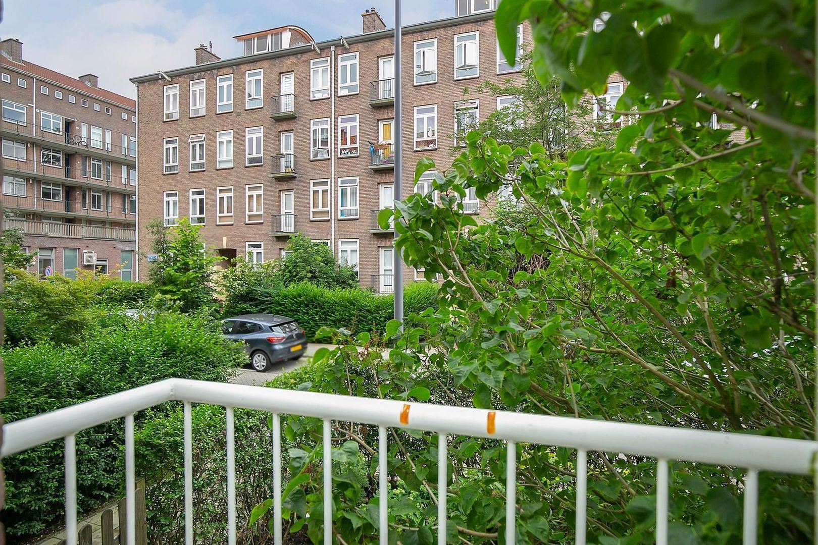 Bernardus Gewinstraat 30 A, Rotterdam foto-19 blur