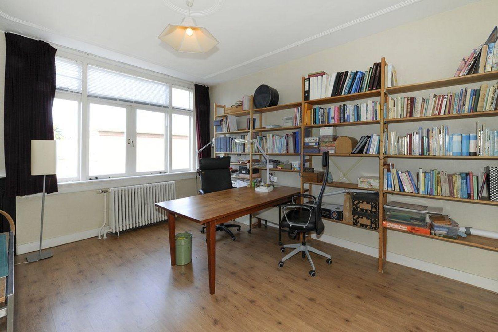 Van Hogenhoucklaan 78, Den Haag foto-23 blur
