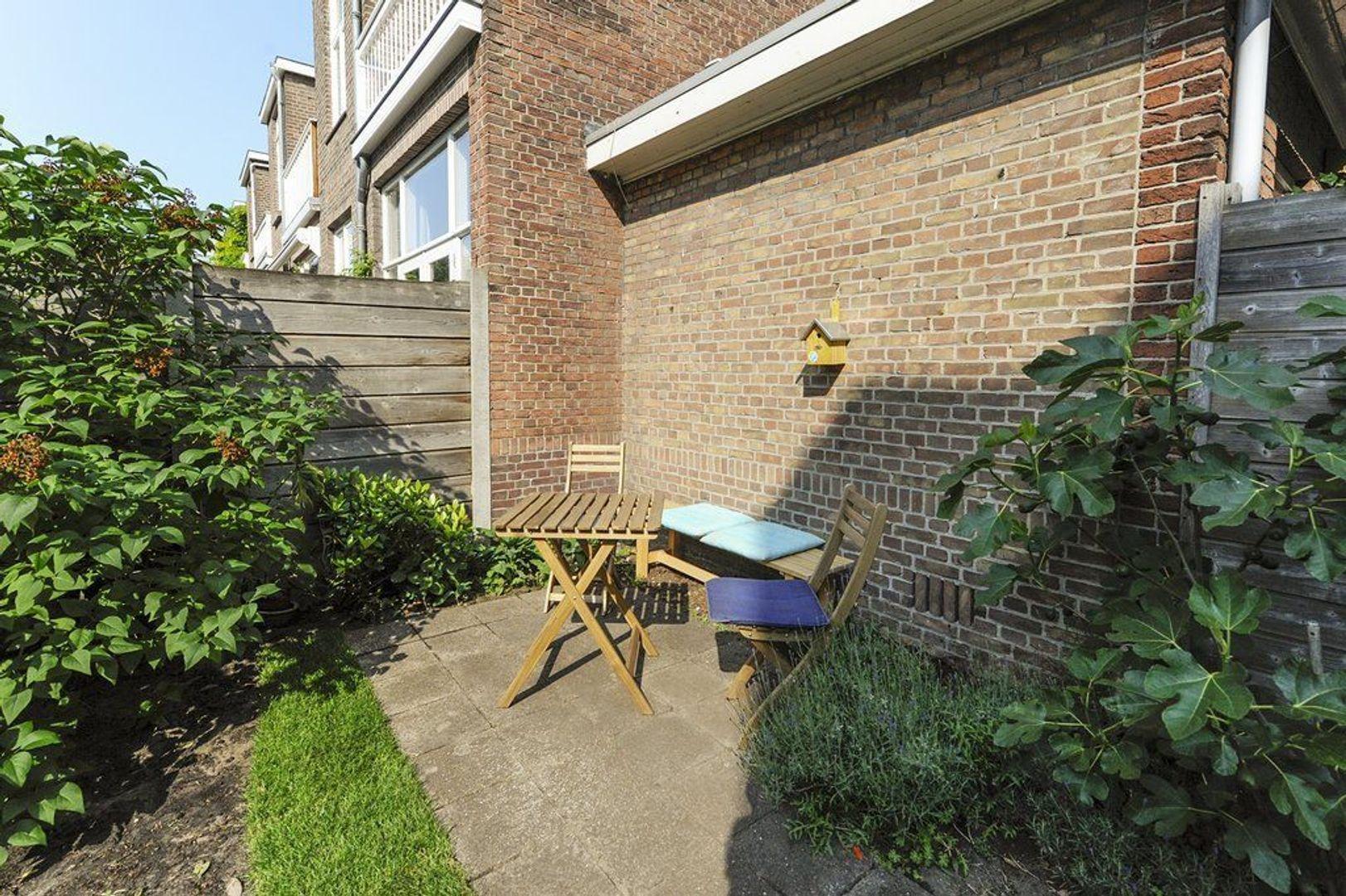 Van Hogenhoucklaan 78, Den Haag foto-7 blur