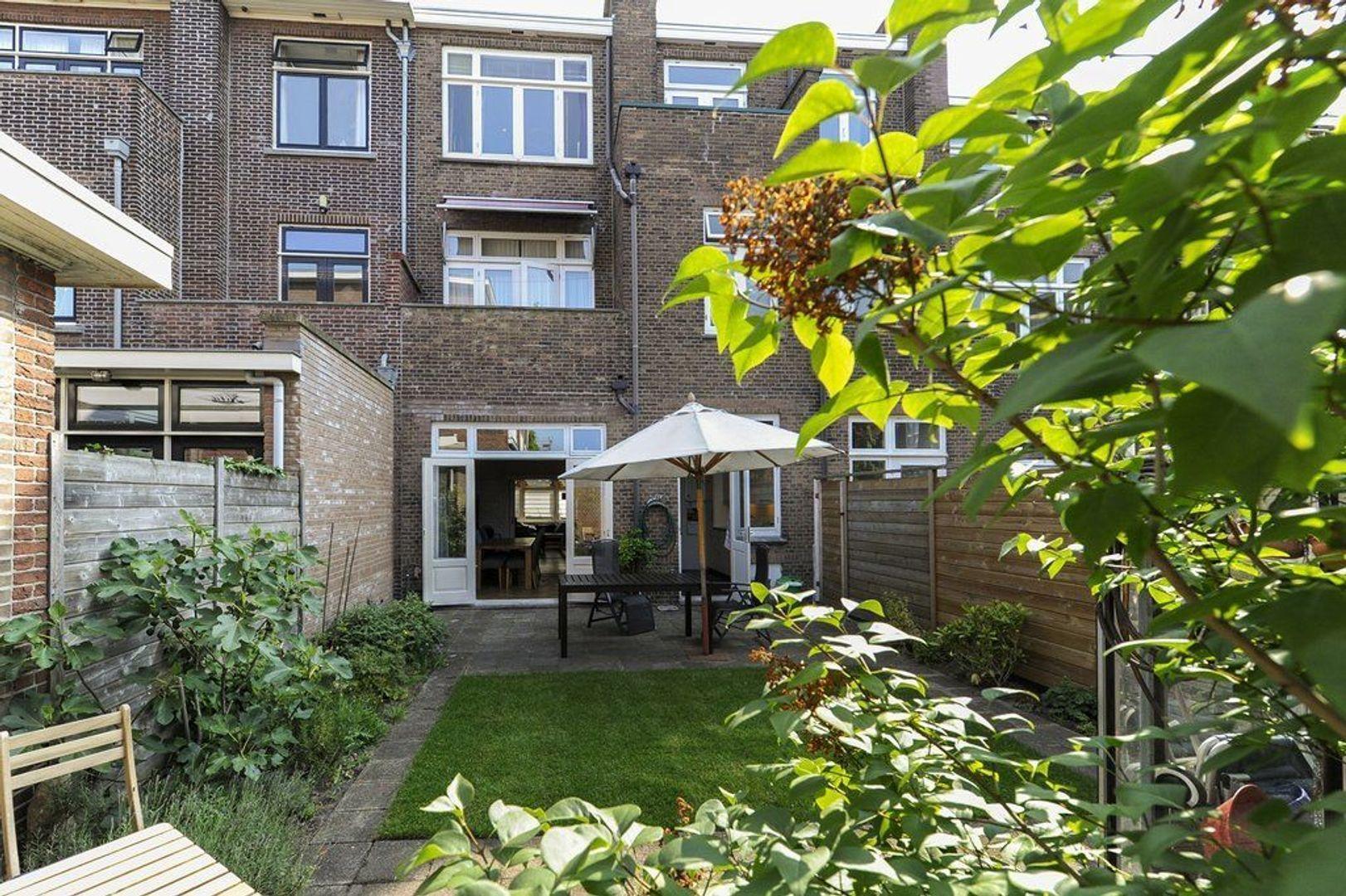 Van Hogenhoucklaan 78, Den Haag foto-8 blur
