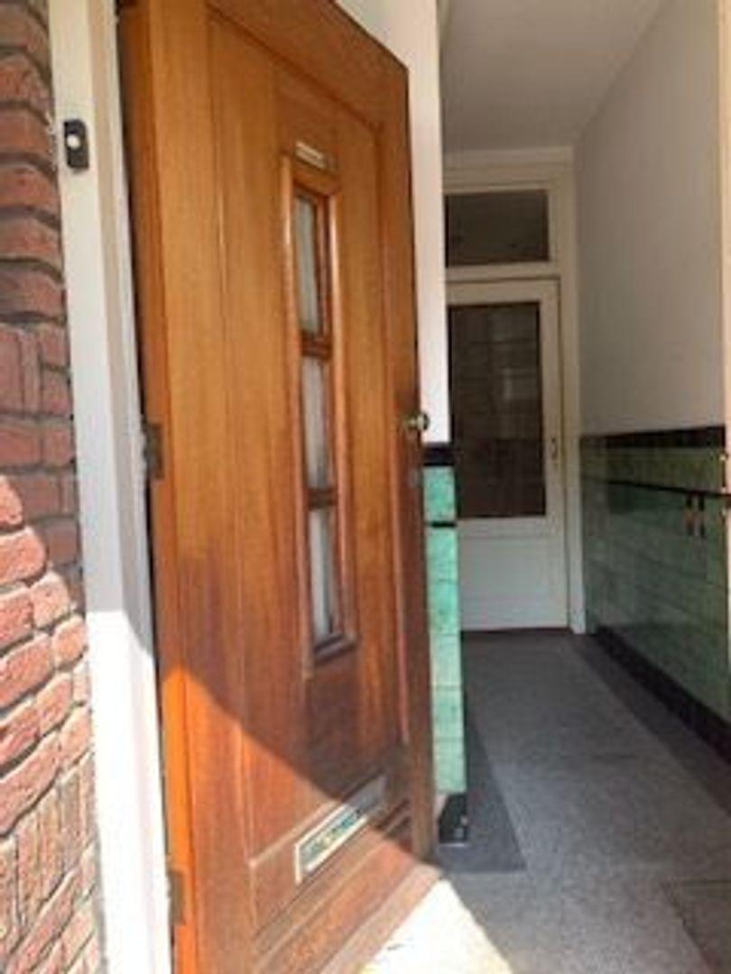 Laan van Nieuw Oosteinde 197 a, Voorburg foto-1 blur