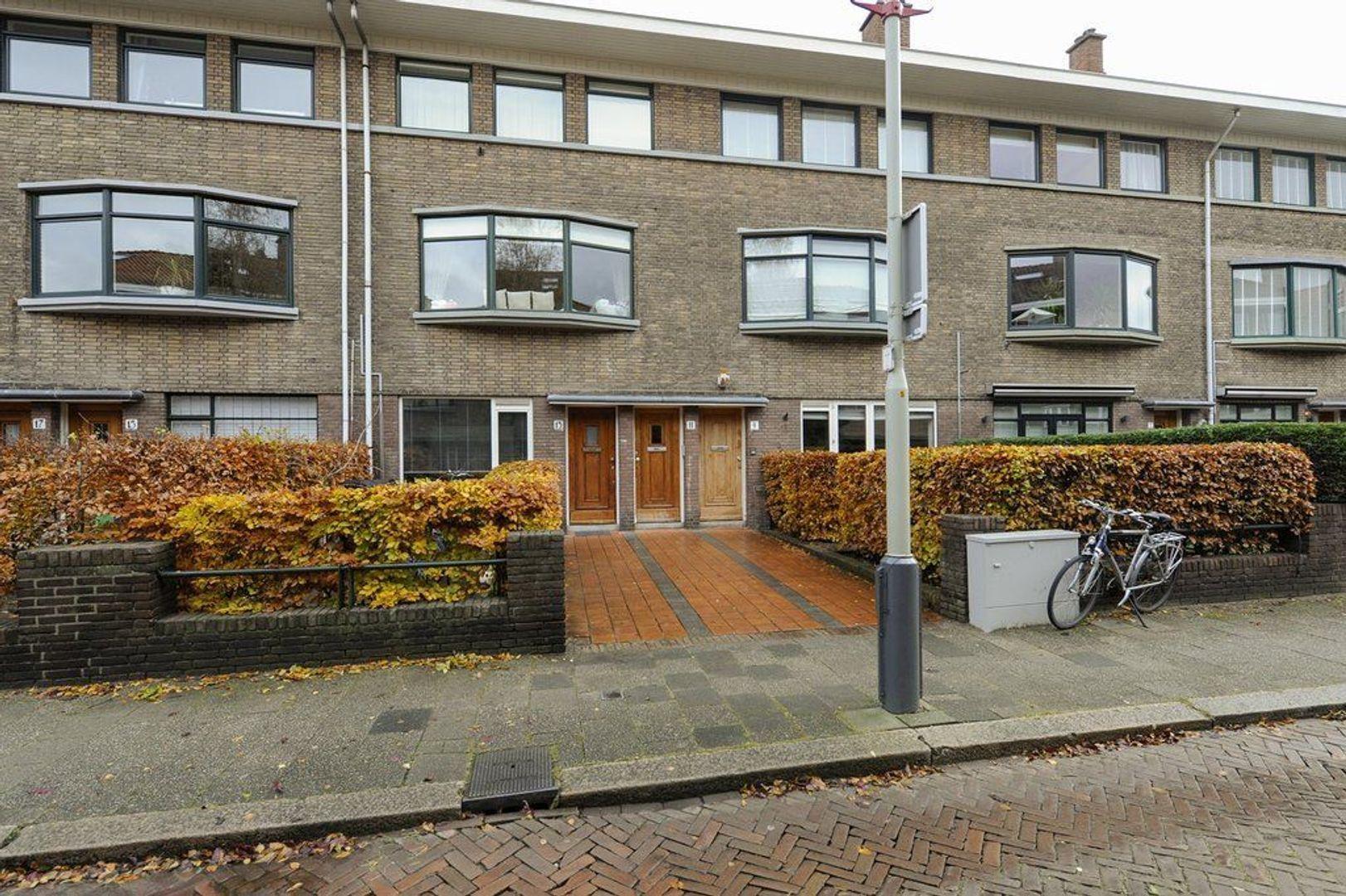 Sadeestraat 13, Den Haag foto-0 blur
