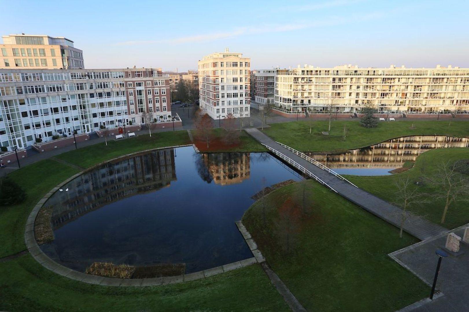 Burgemeester De Monchyplein 120, Den Haag foto-5 blur