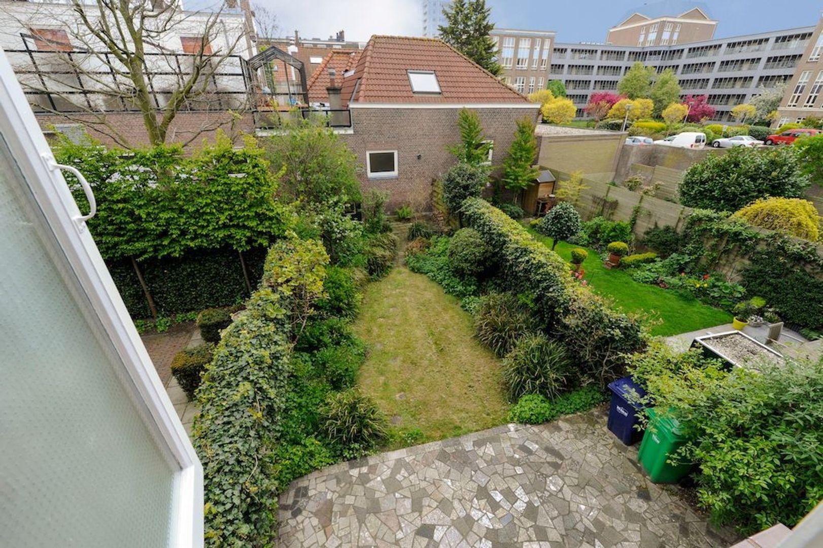 Soendastraat 10, Den Haag foto-34 blur