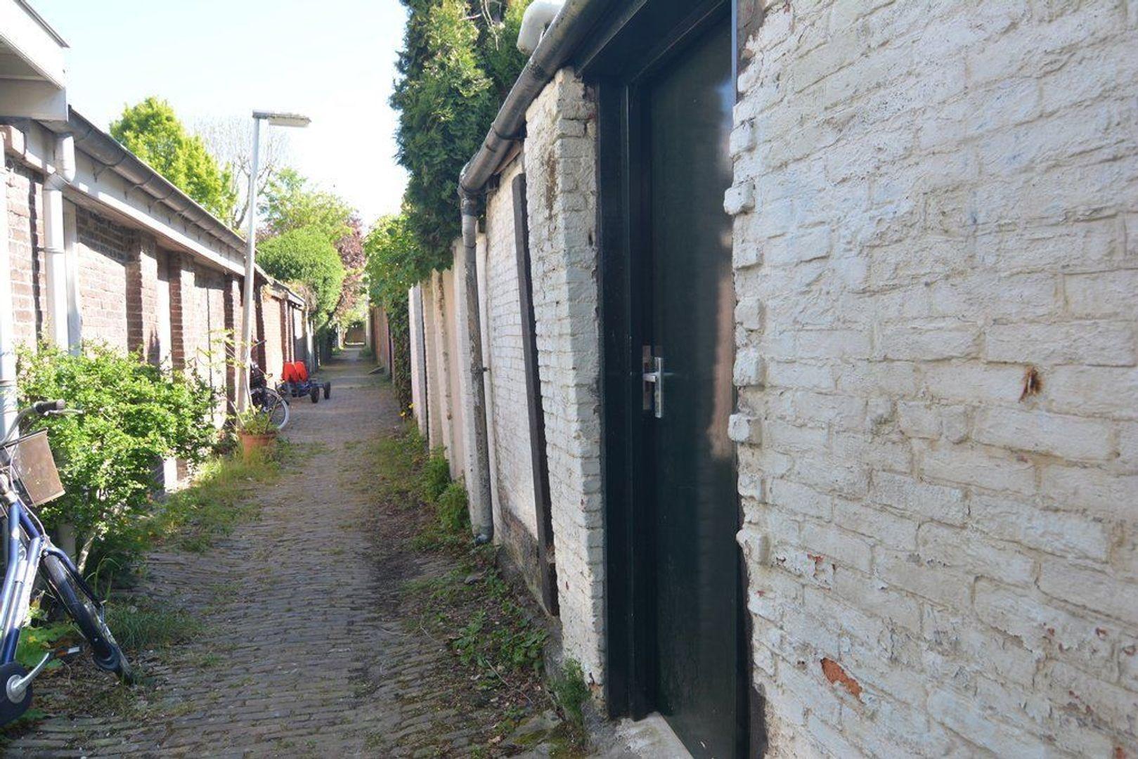 Atjehstraat 86, Den Haag foto-37 blur