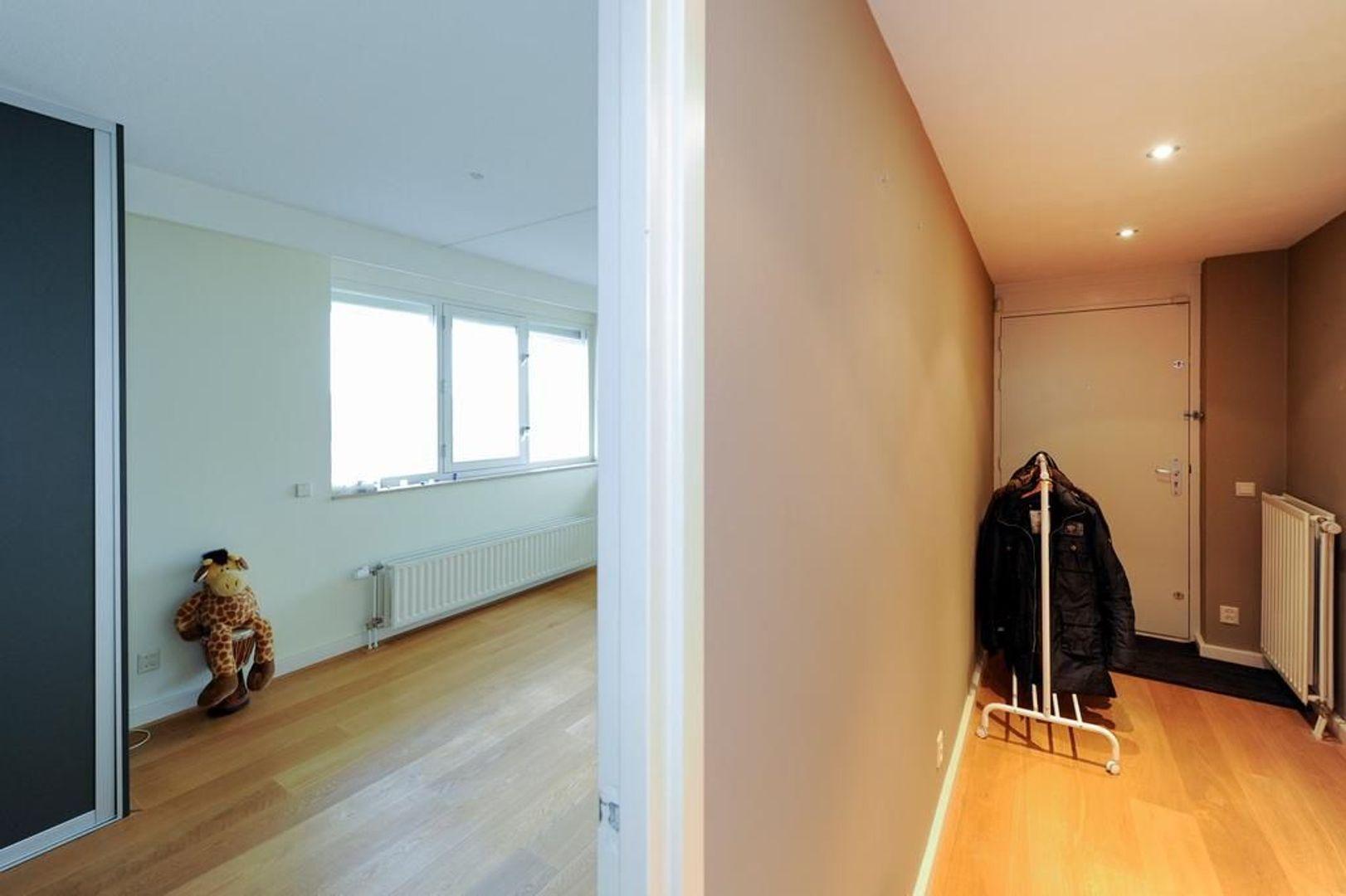 Plesmanweg 136, Den Haag foto-10 blur