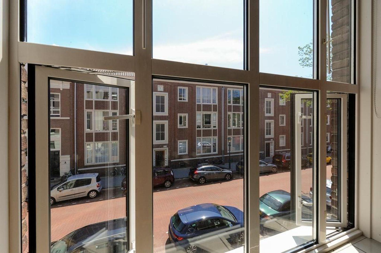 Riouwstraat 130, Den Haag foto-7 blur
