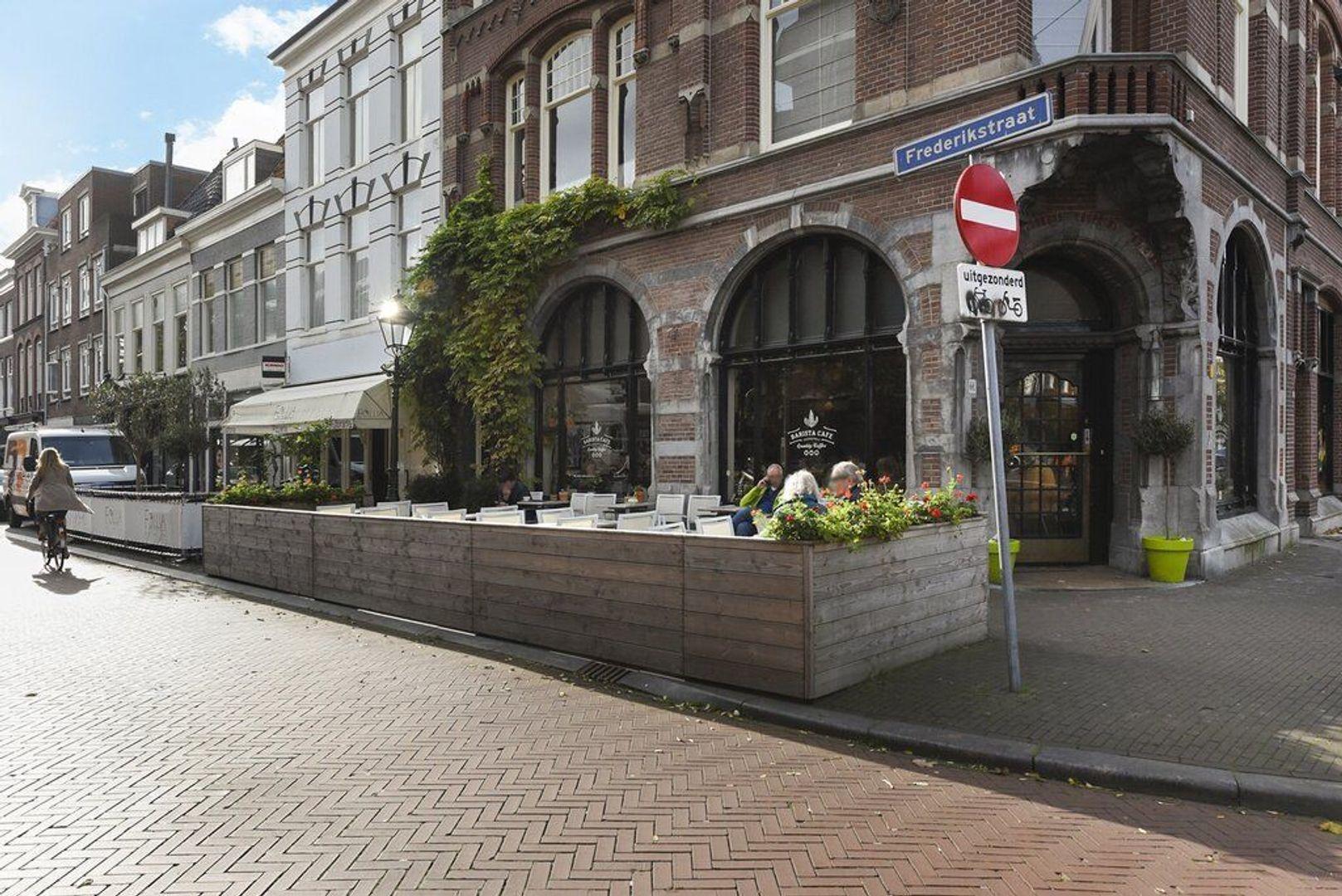 Frederikstraat 953, Den Haag foto-9 blur