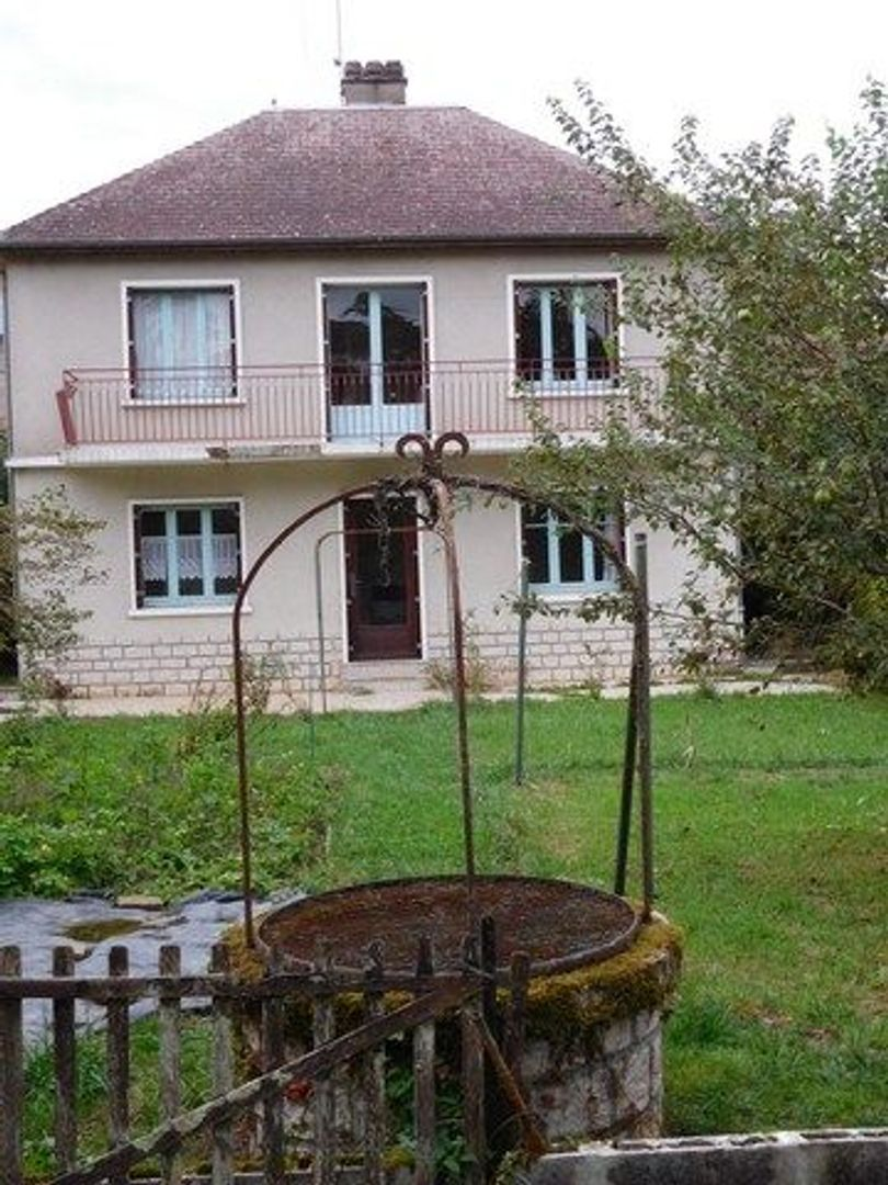 SI881, Châtillon-en-Bazois foto-4 blur