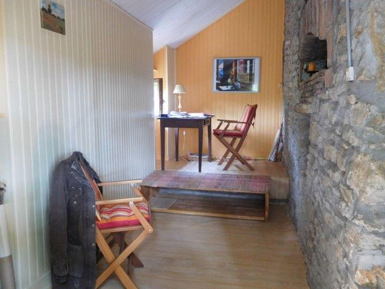 SI1098, Châtillon-en-Bazois foto-2 blur