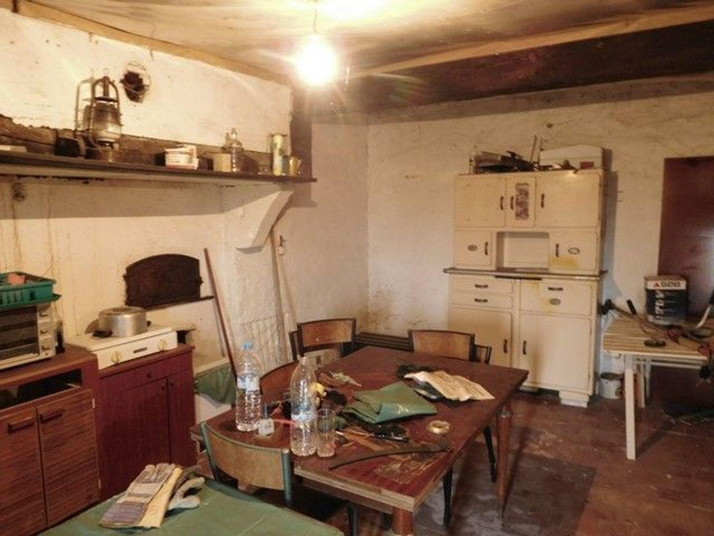 SI1306, Châtillon-en-Bazois foto-1 blur