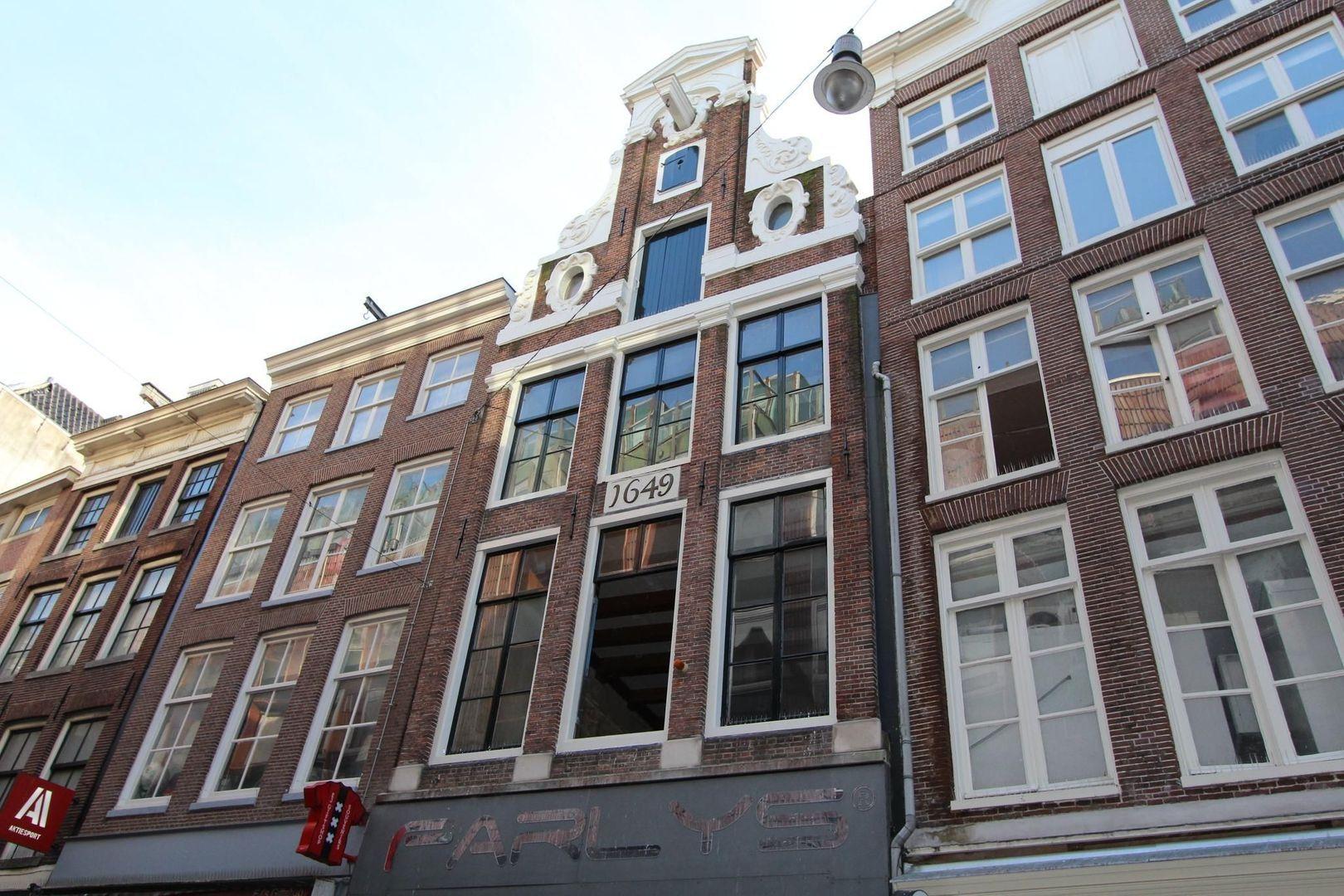 Nieuwendijk 161 BG, Amsterdam foto-3 blur