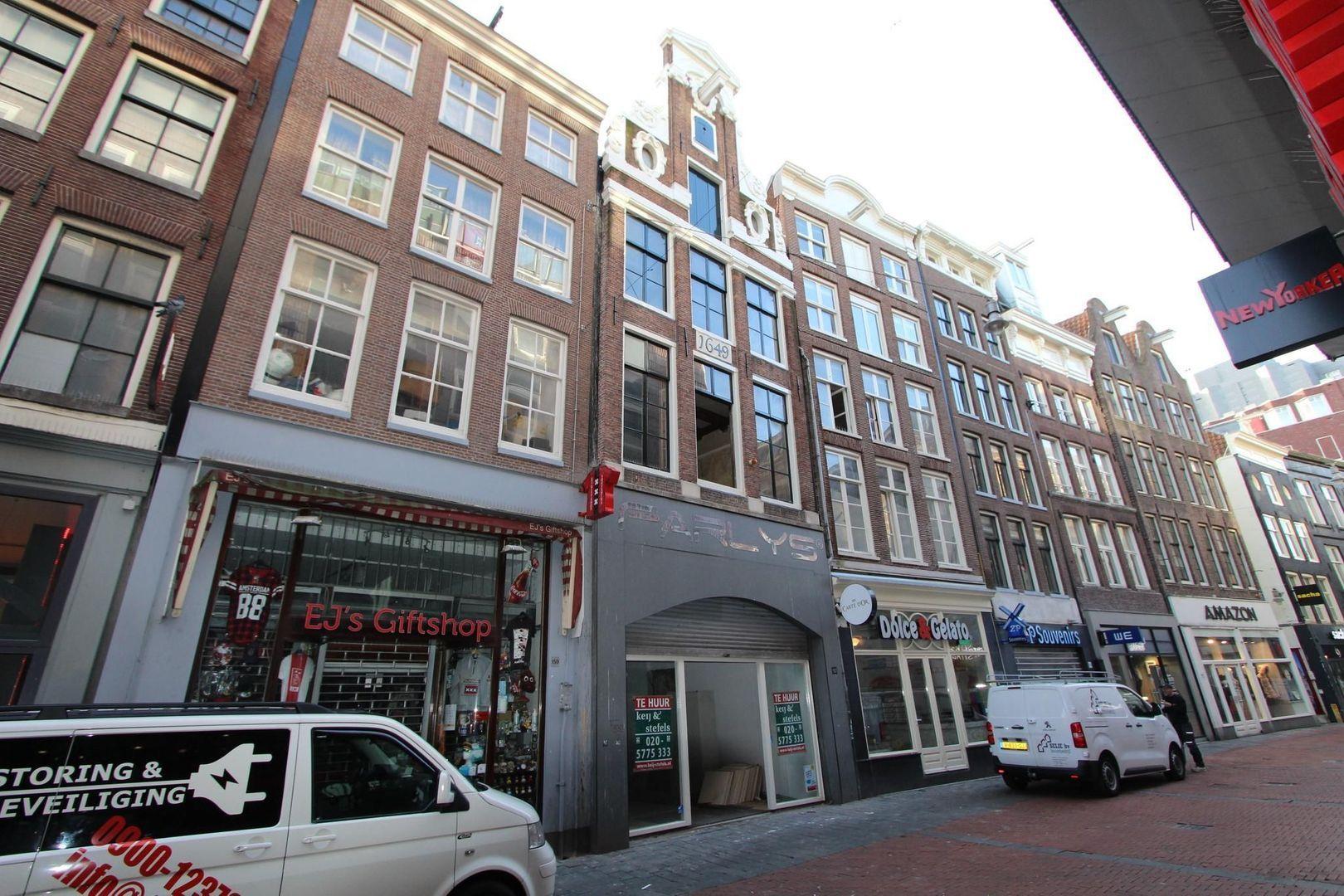 Nieuwendijk 161 BG, Amsterdam foto-2 blur