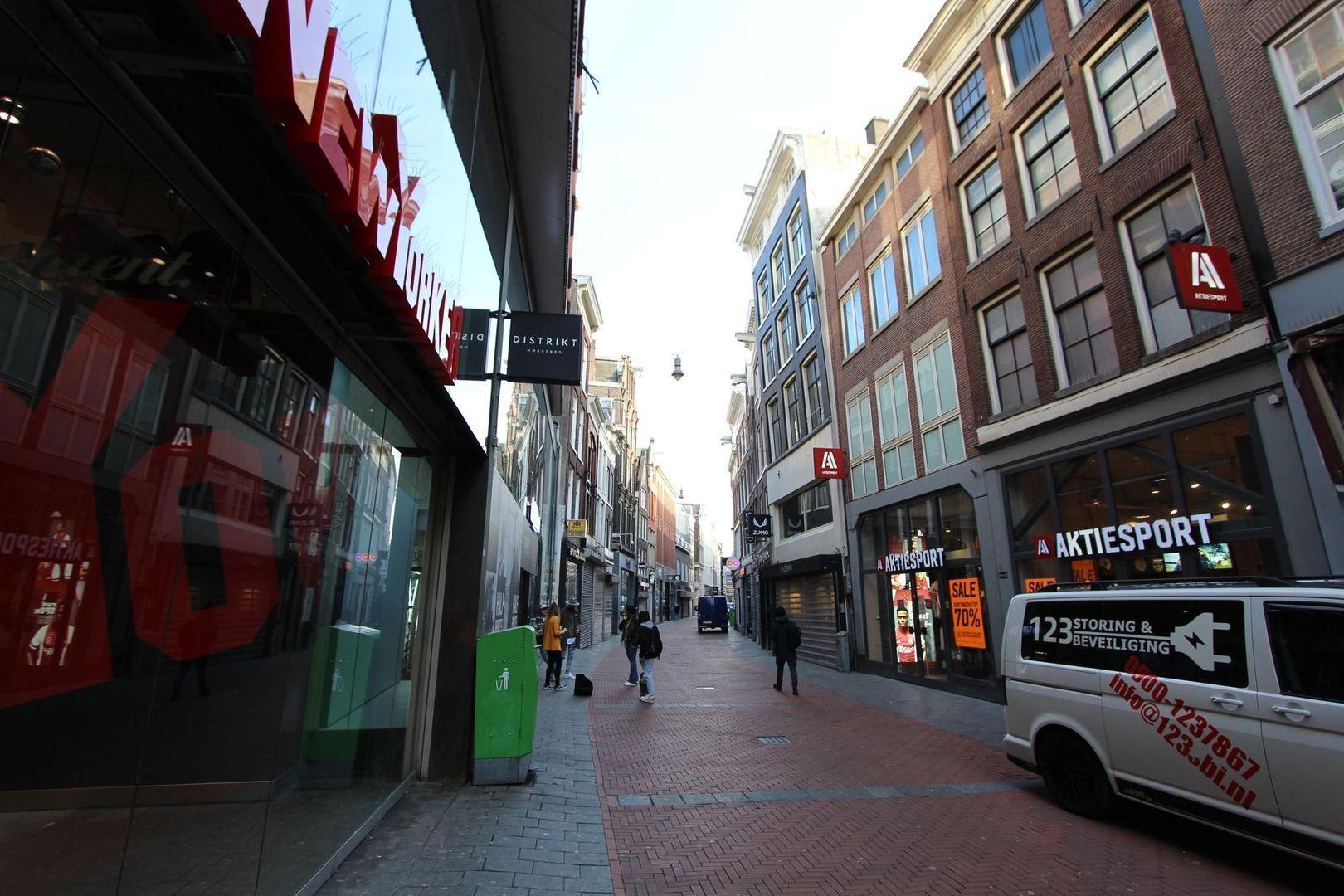 Nieuwendijk 161 BG, Amsterdam foto-6 blur