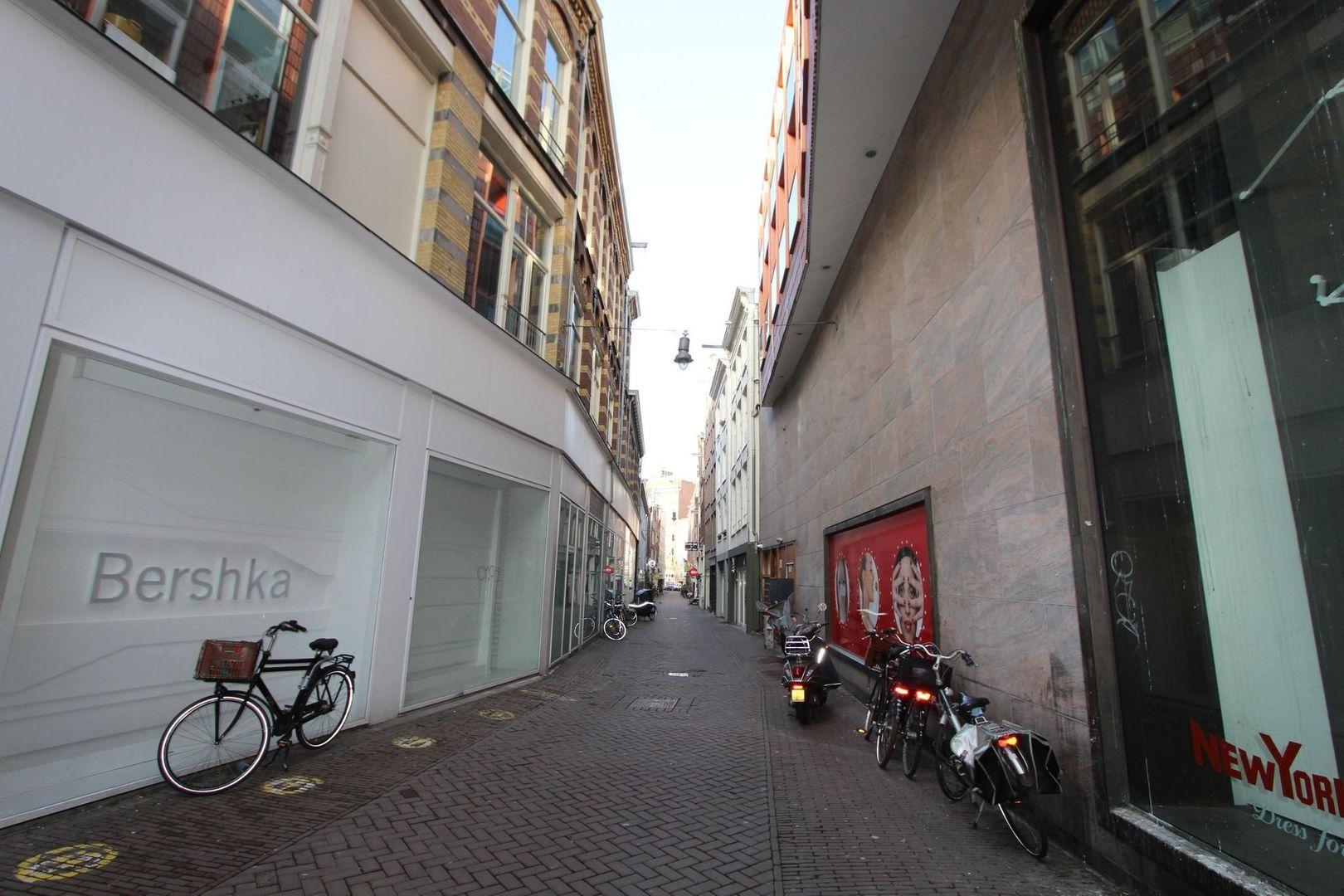 Nieuwendijk 161 BG, Amsterdam foto-8 blur