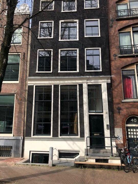 Nieuwezijds Voorburgwal 42 sous, Amsterdam