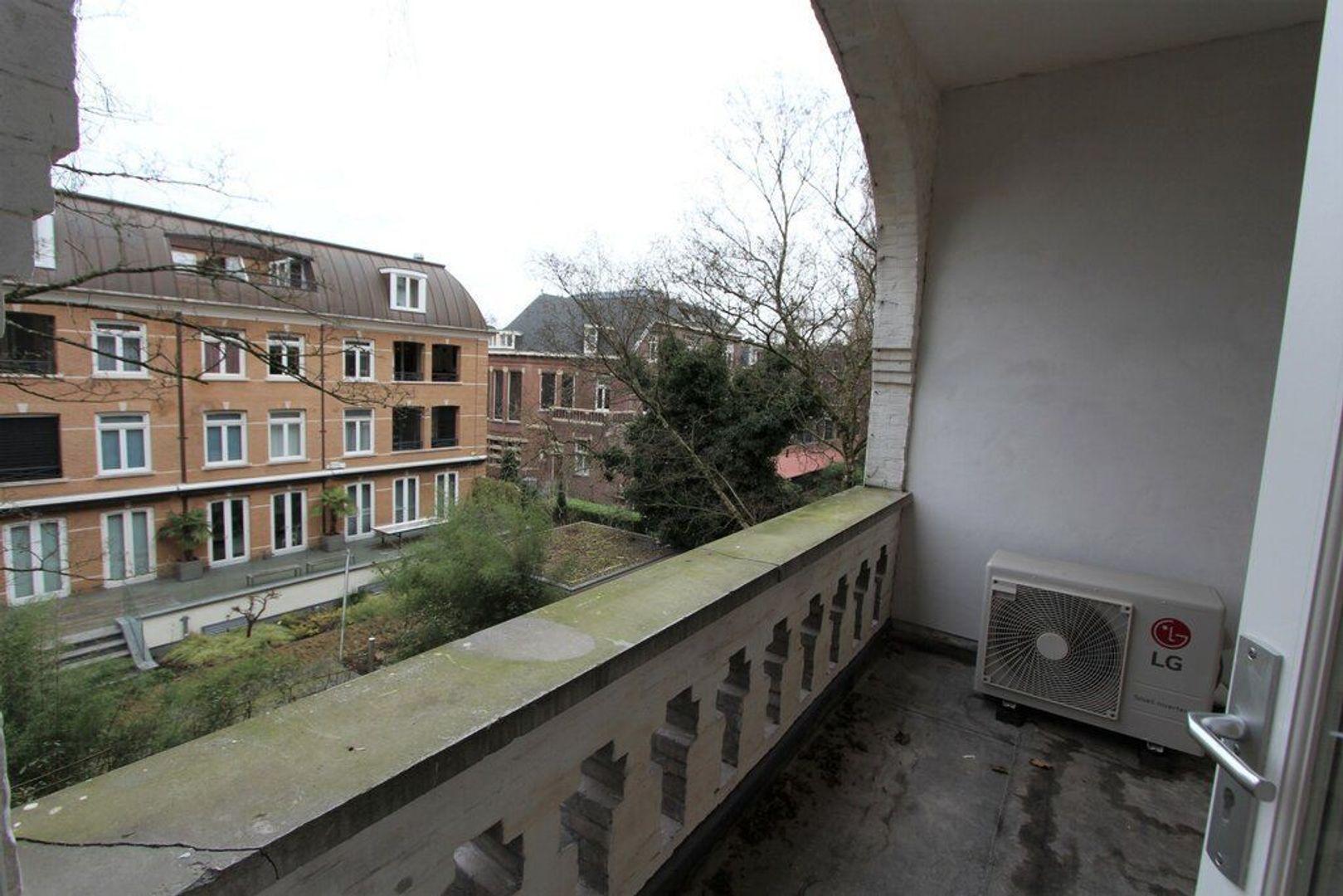 Koninginneweg 140 I, Amsterdam foto-8 blur