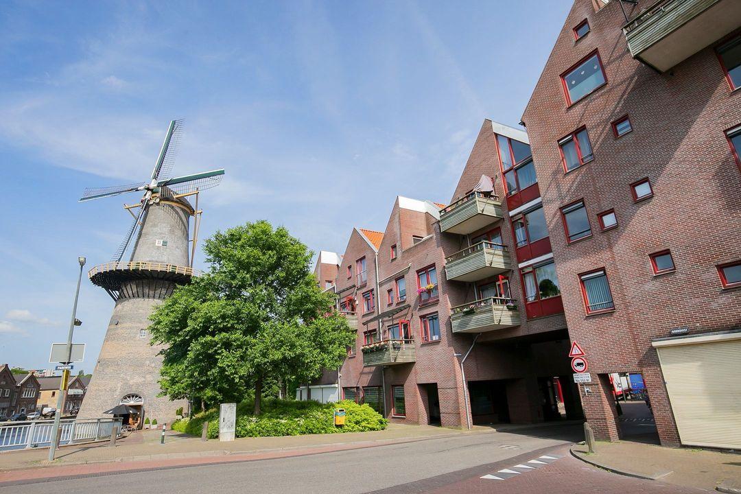 Spinhuispad 94, Schiedam