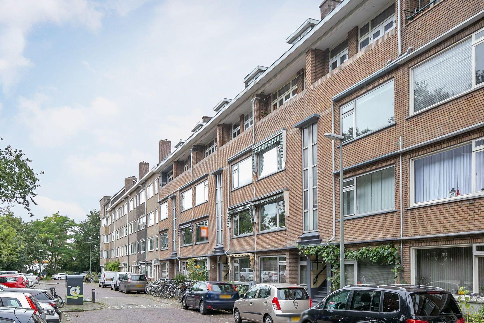 Julianalaan 84 C, Schiedam foto-2 blur