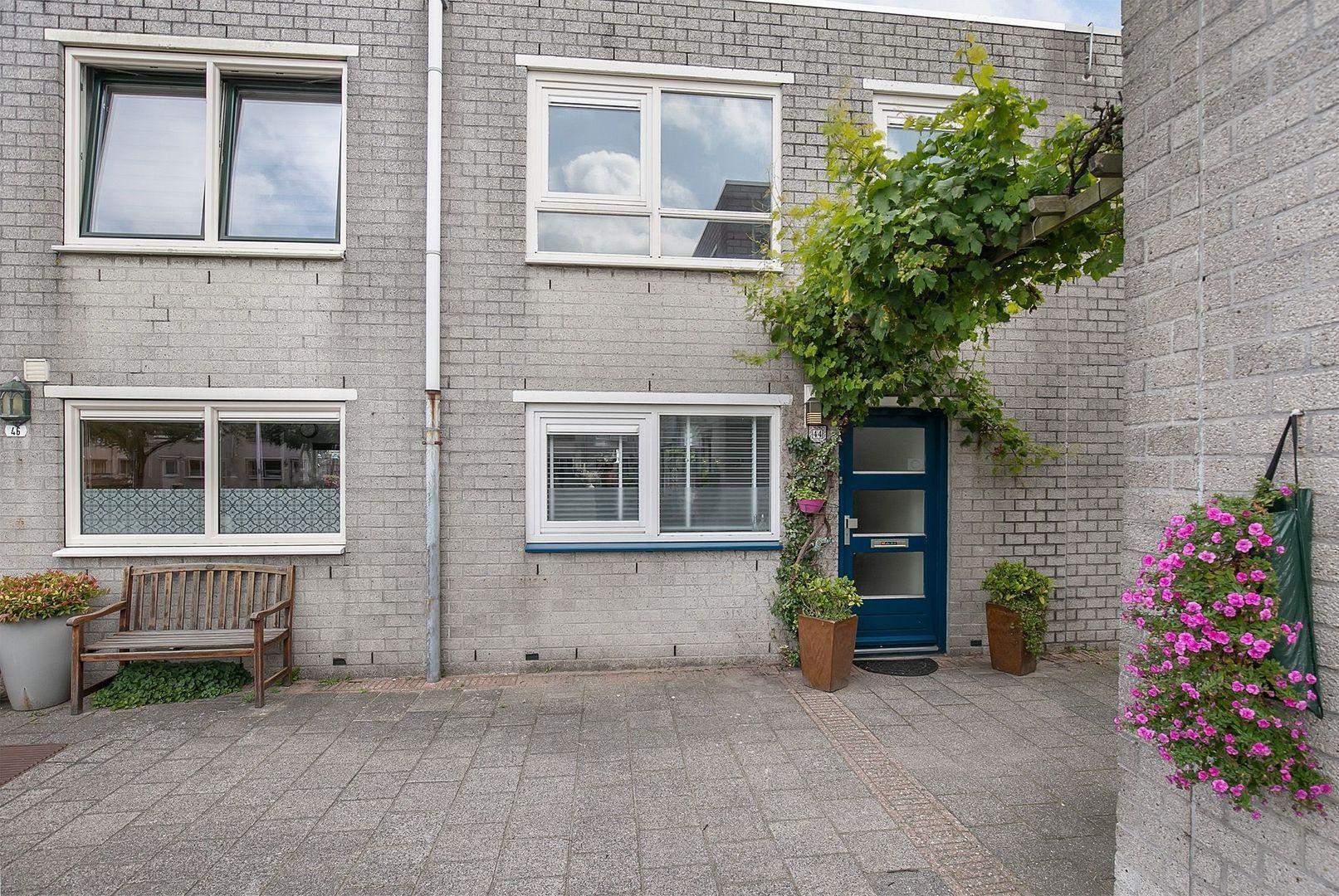 Grevelingenstraat 44, Schiedam foto-1 blur