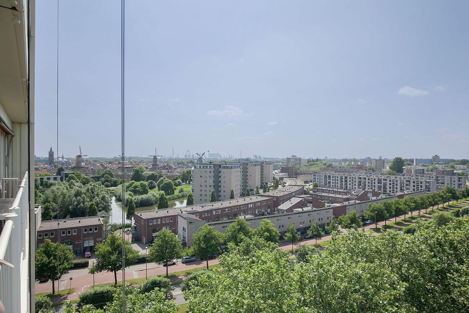 Johan Braakensiekstraat 125, Schiedam foto-16 blur